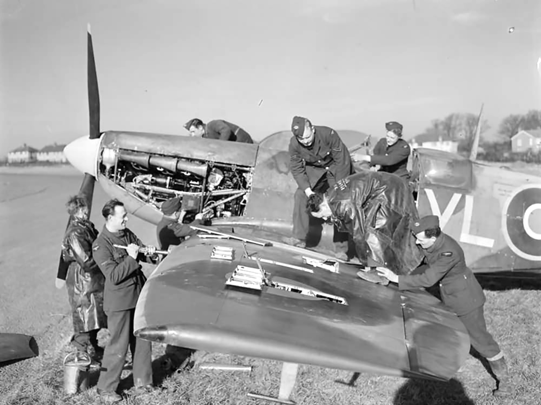 Spitfire LFVB RAF 322Sqn being rearmed at Hawkinge Feb 1944 web 01
