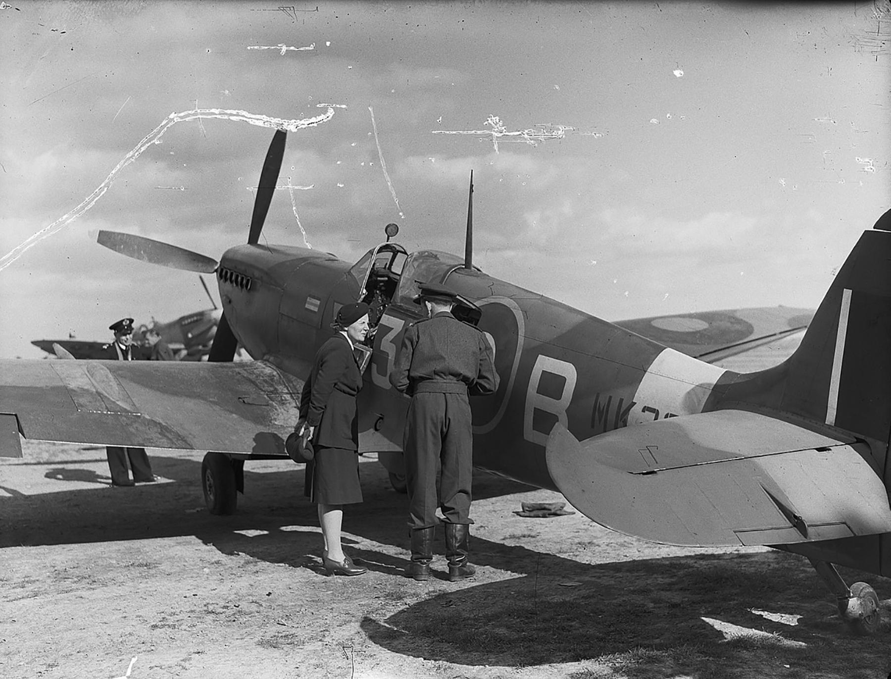 Spitfire MkIX RAF 322Sqn 3WB during a official visit 01