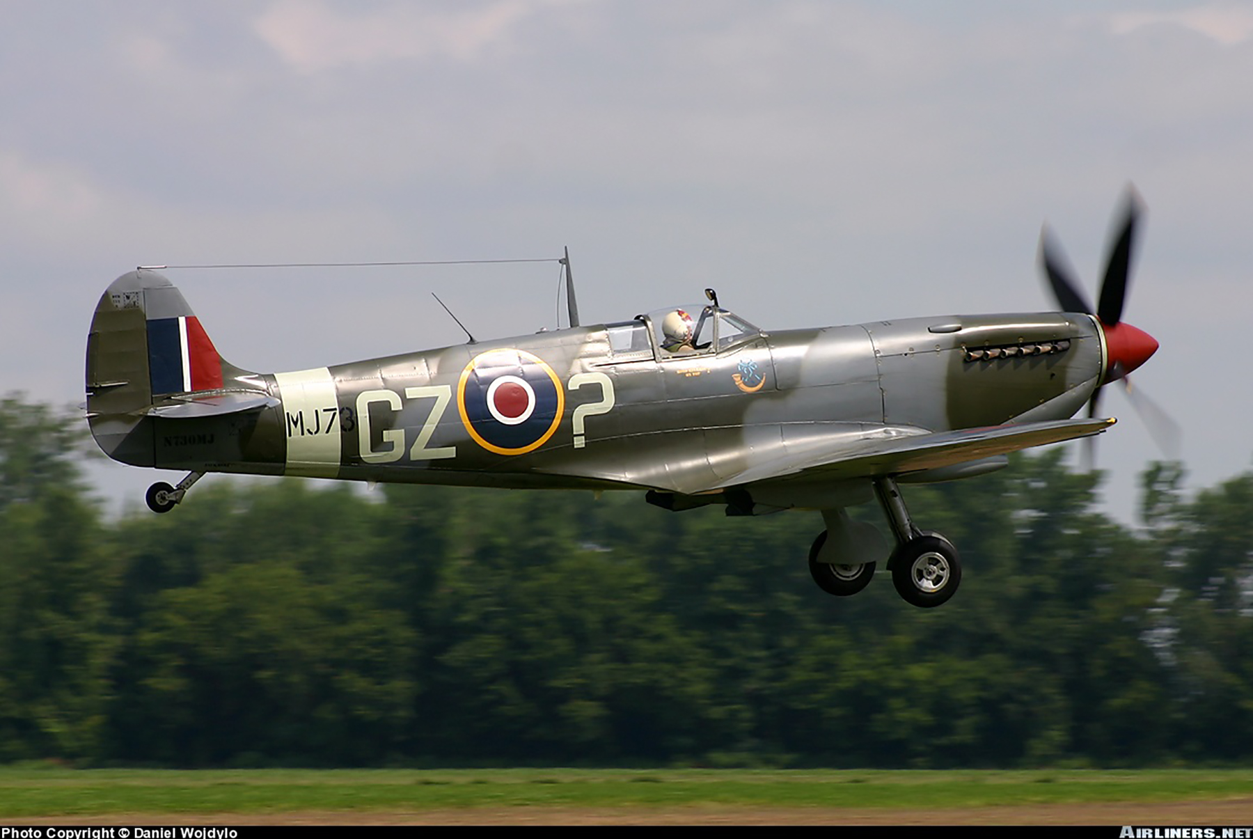 Airworthy Spitfire warbird LFIX RAF 32Sqn GZ 7 MJ730 CBAF7243 N730MJ 02