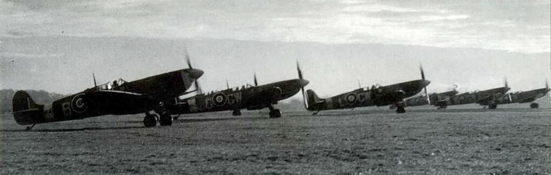 Spitfire MkIX RAF 340Sqn GWG Biggin Hill Oct 1942 01