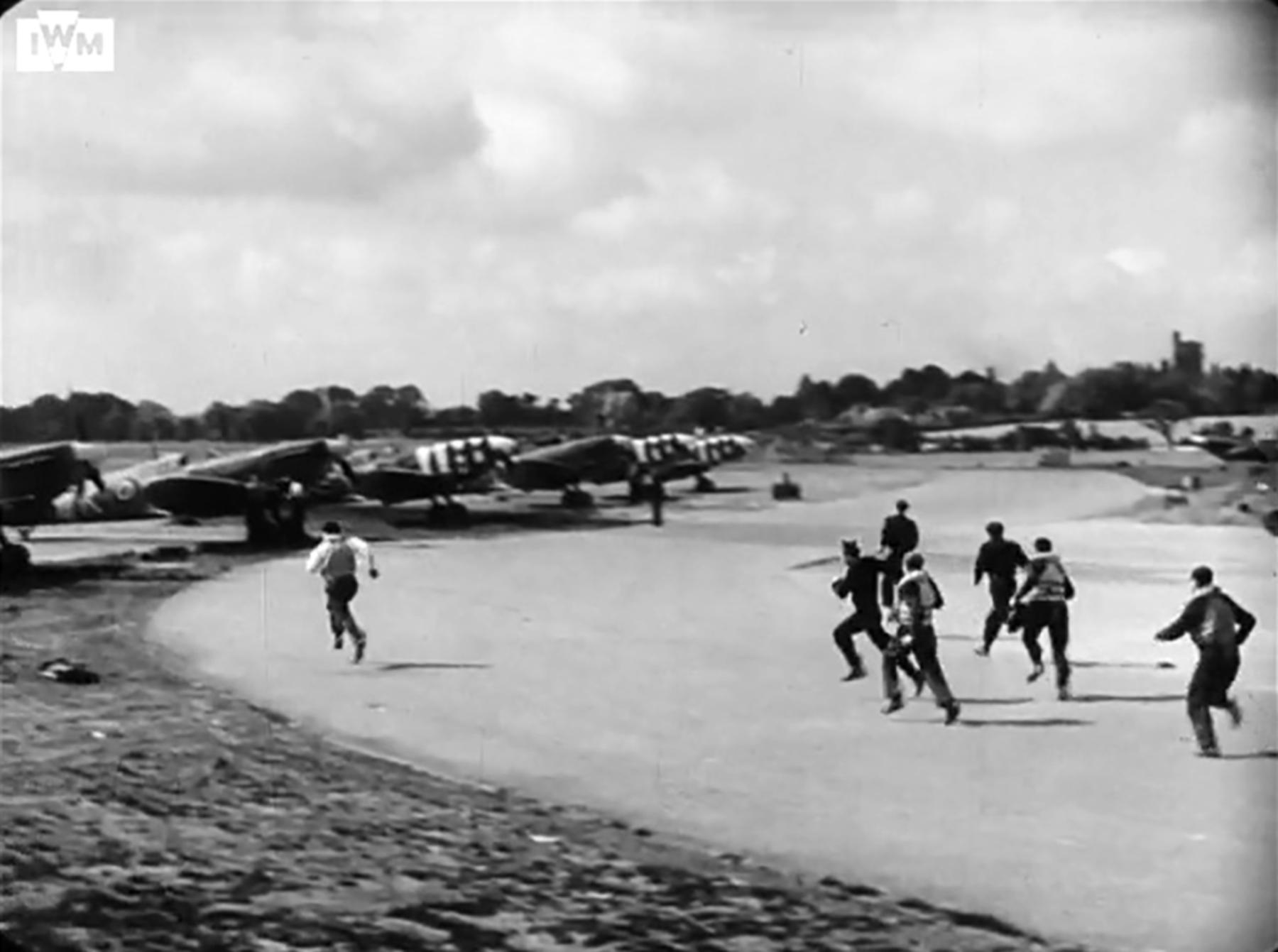 Spitfire MkVb RAF 340Sqn GW during the Dieppe landing Hornchurch 19th Aug 1942 IWM 03