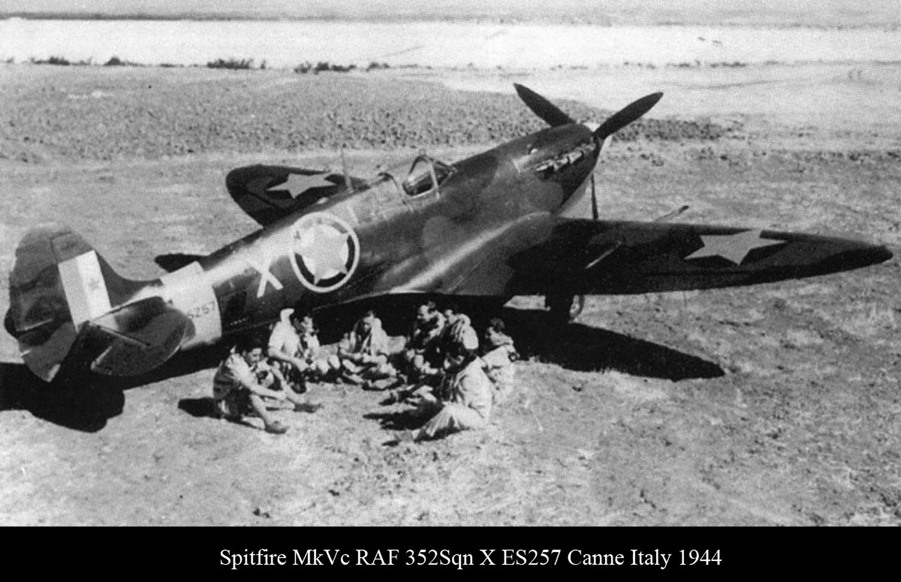 Spitfire MkVcTrop RAF 352Sqn X ES257 Canne Italy 1944 01