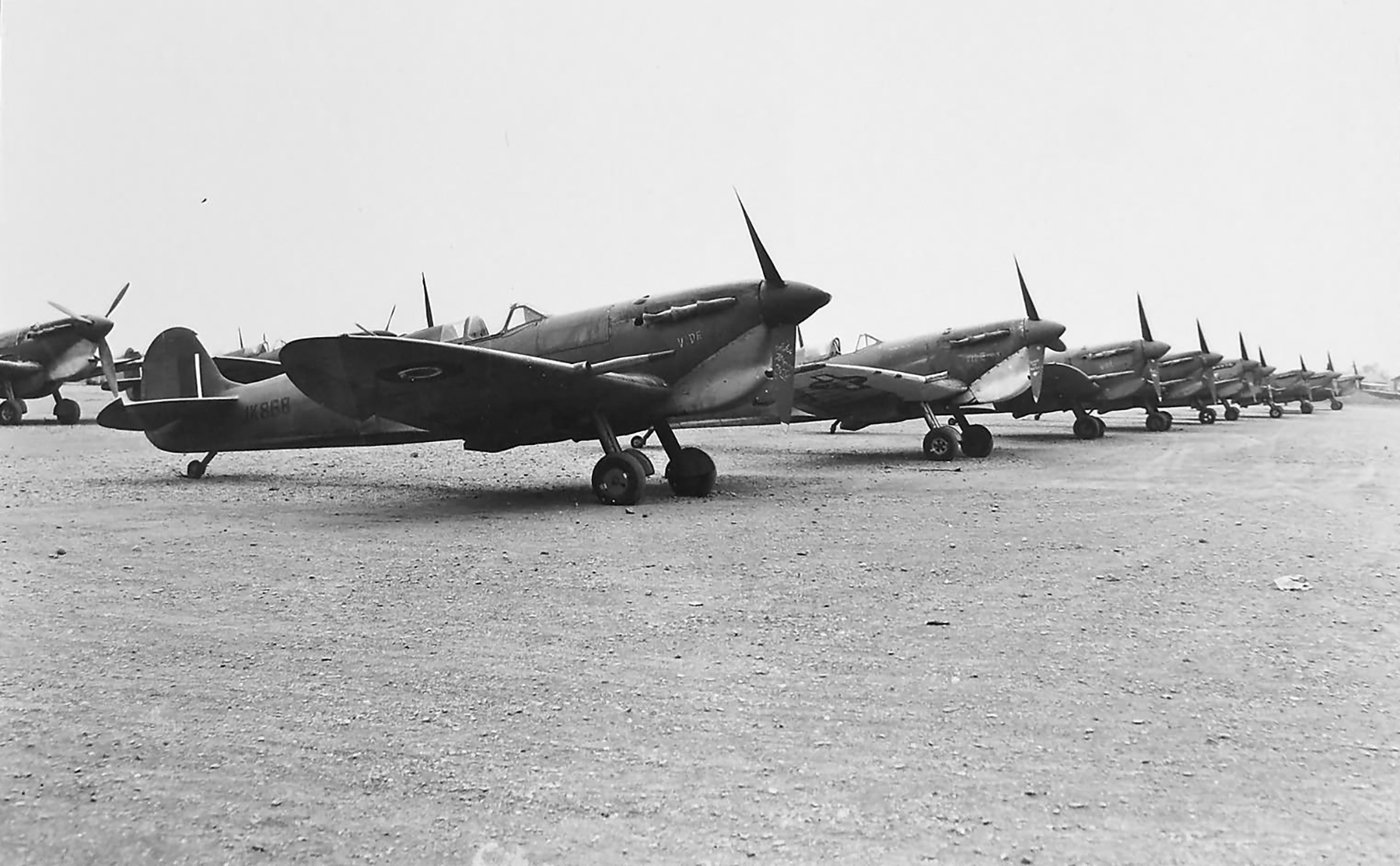 Spitfire MkVcTrop RAF JK868 before being transfered out to 352Sqn Yugoslavia Mar 1945 01