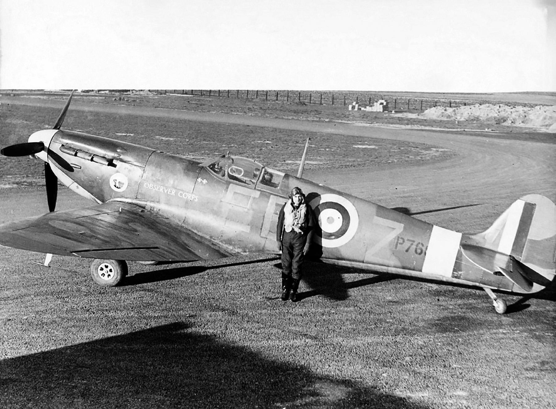 Spitfire MkIIa RAF 41Sqn EBZ P76xx with 2 kills 01