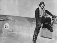 Asisbiz Spitfire MkIIa RAF 41Sqn EBZ Sqn Ldr D O Finlay P7666 at Hornchurch 1940 web 01