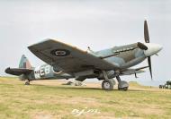 Asisbiz Spitfire XII RAF 41Sqn EBB Don Smith MB882 at Friston Sussex 1943 02