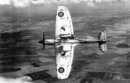 Asisbiz Spitfire XII RAF 41Sqn EBB Don Smith MB882 over Eastbourne 1943 03