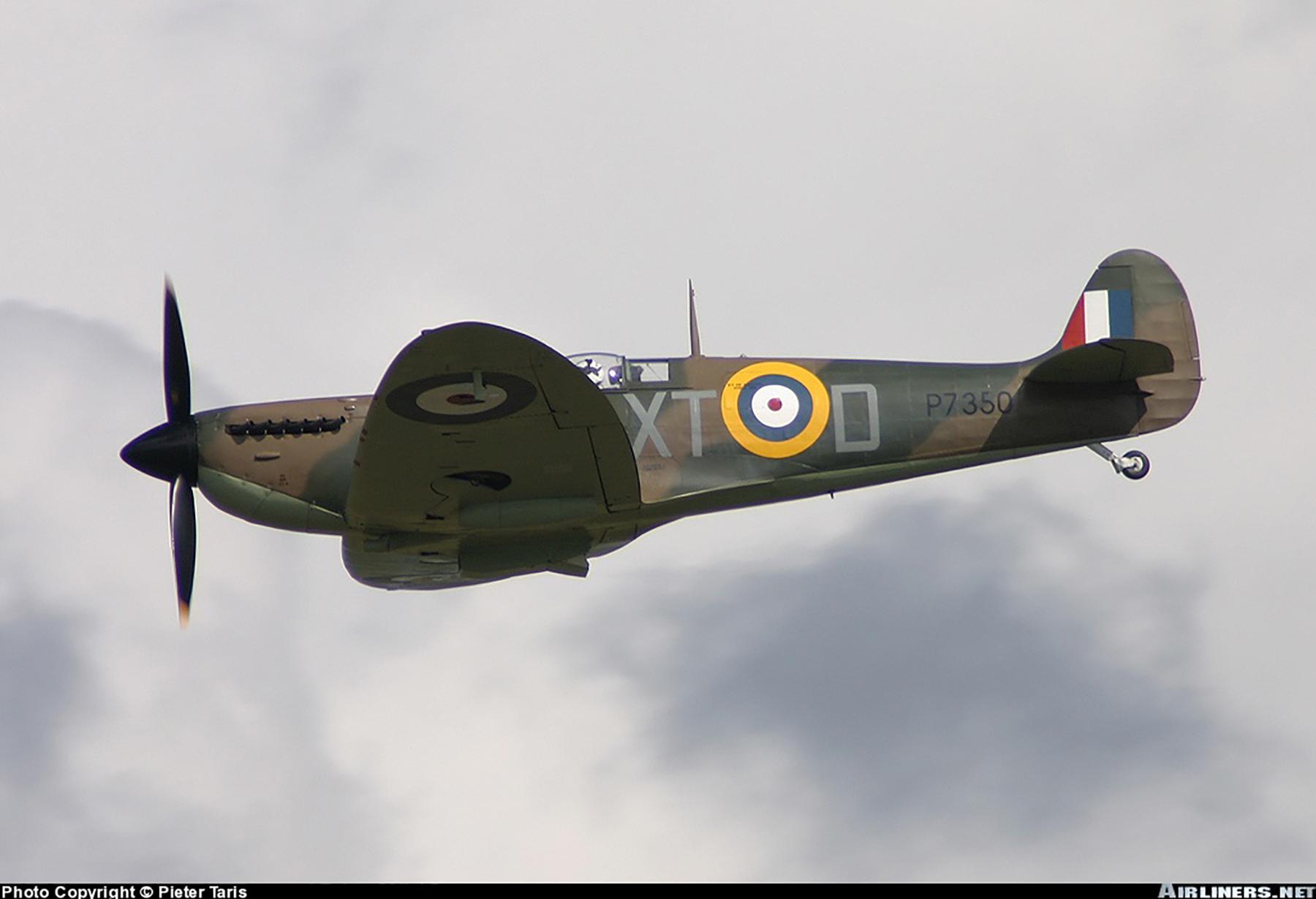 Airworthy Spitfire warbird RAF 603Sqn XTD P7350 01
