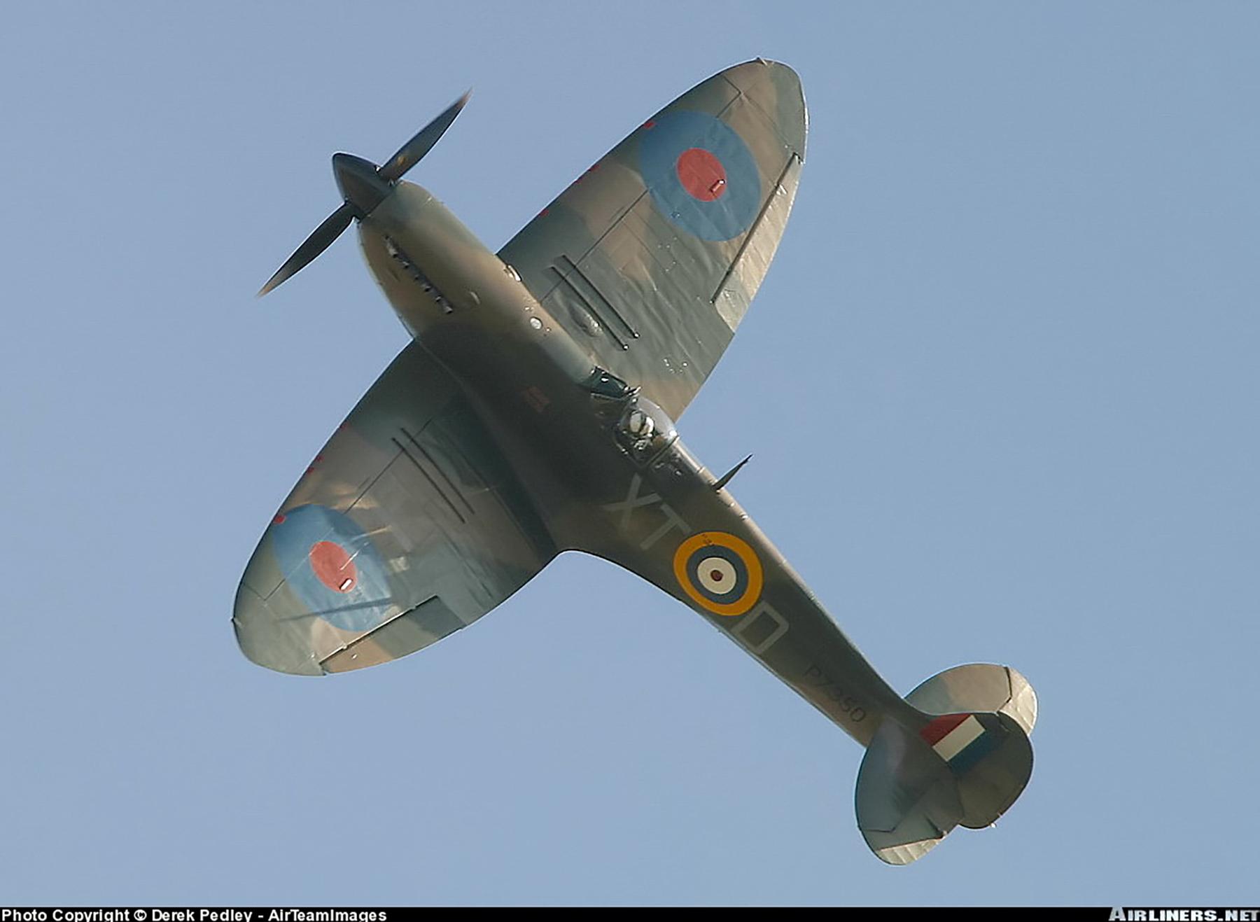 Airworthy Spitfire warbird RAF 603Sqn XTD P7350 06
