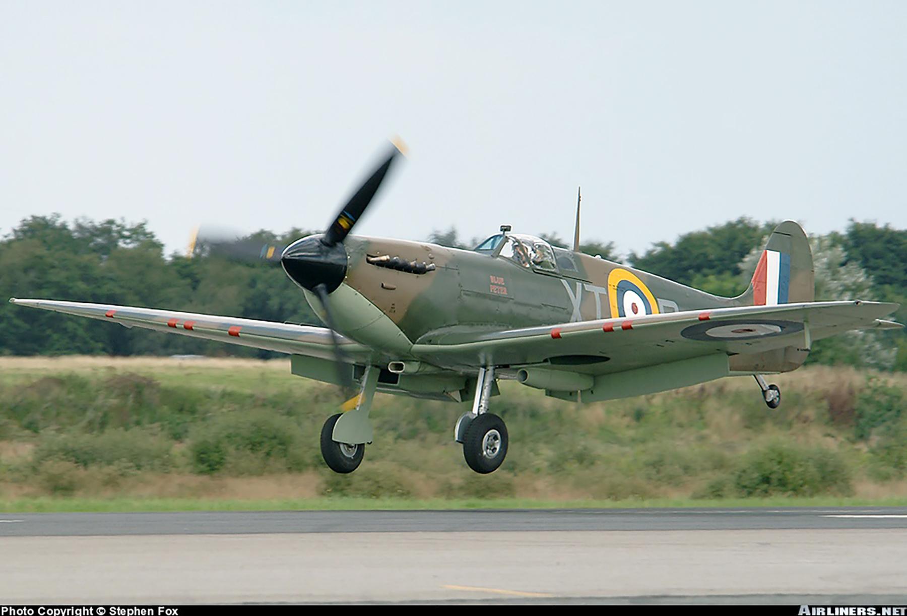 Airworthy Spitfire warbird RAF 603Sqn XTD P7350 07