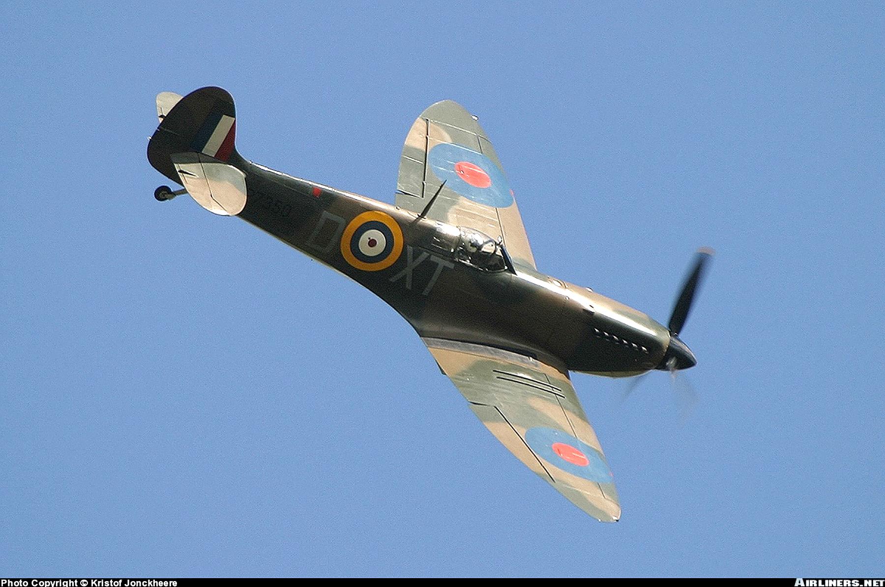 Airworthy Spitfire warbird RAF 603Sqn XTD P7350 08