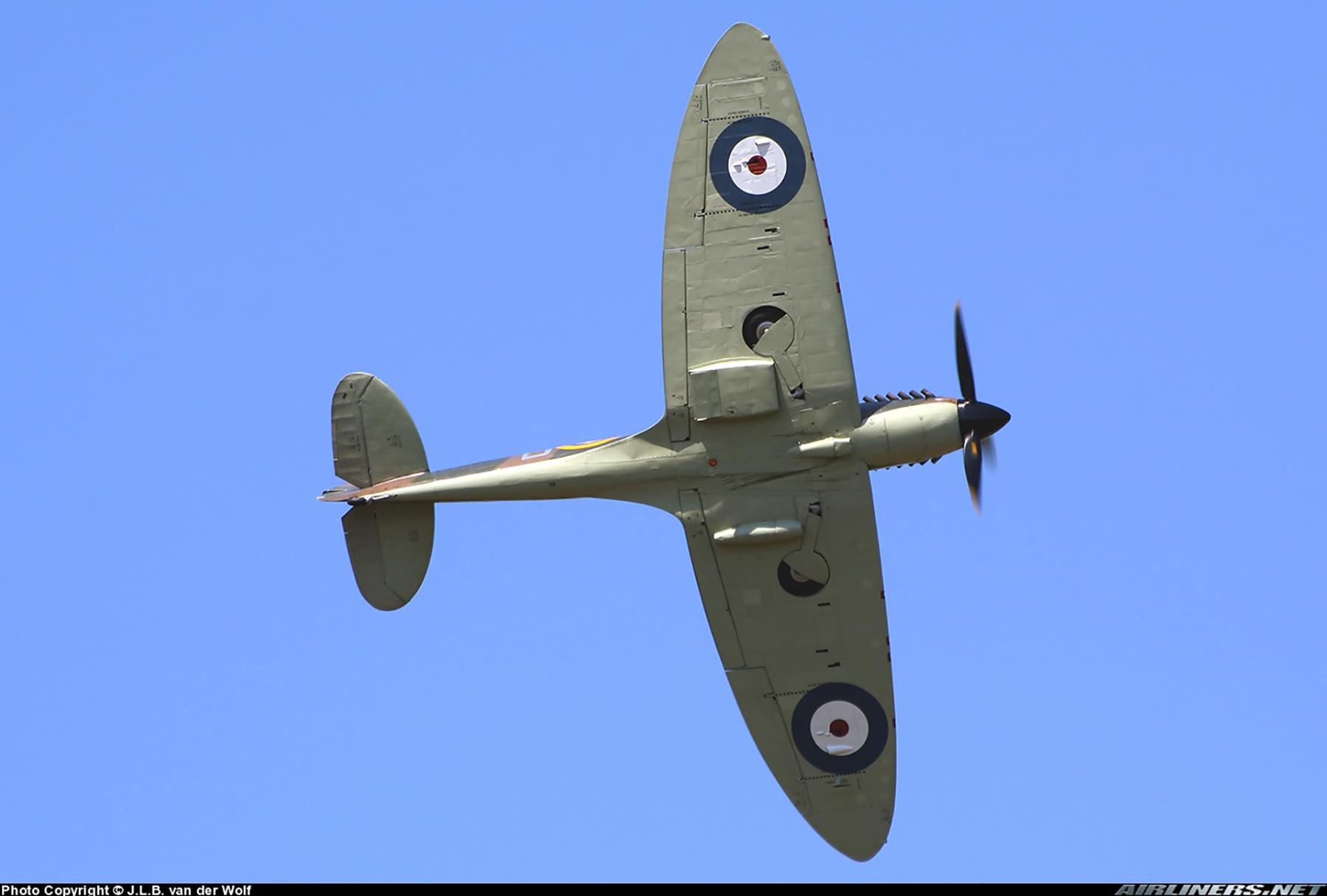 Airworthy Spitfire warbird RAF 603Sqn XTD P7350 13