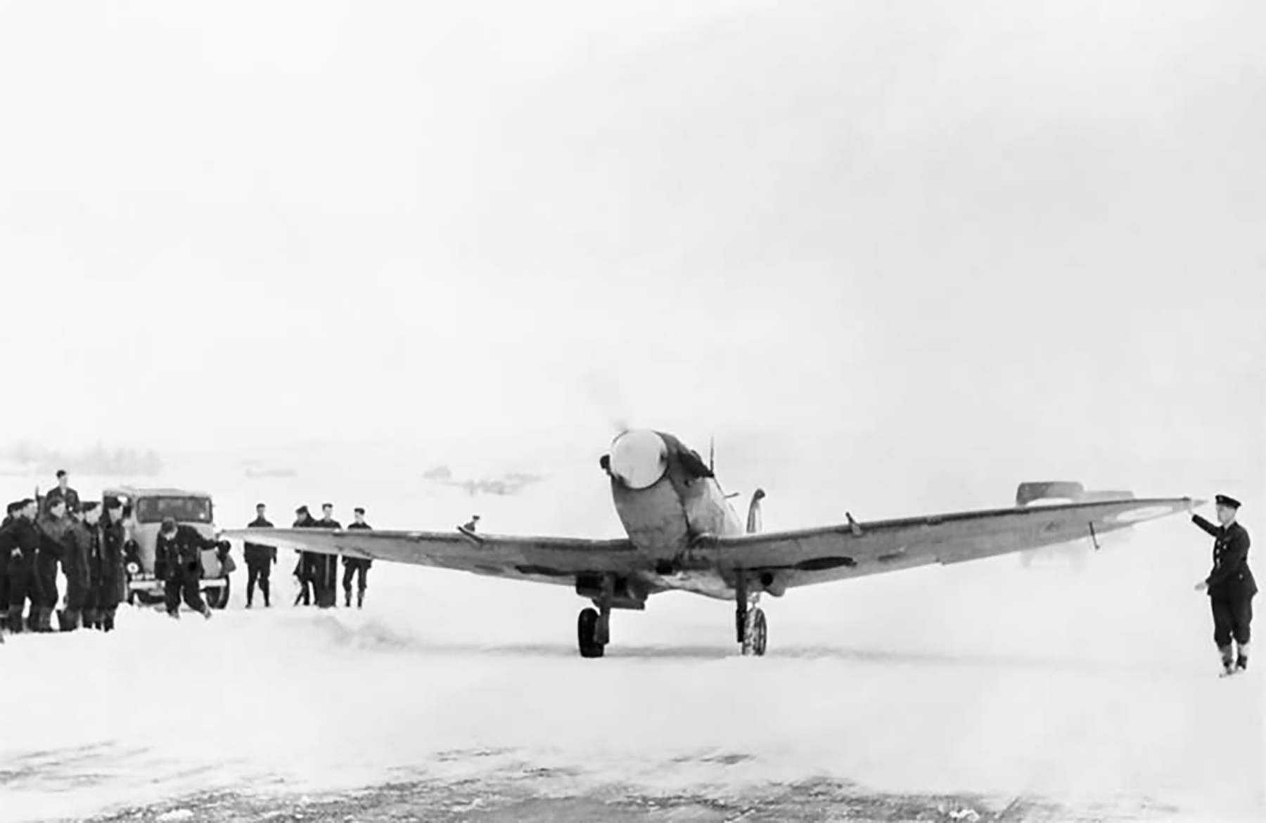 Spitfire MkV RAF 603Sqn taxiing out at Dyce 4th Feb 1942 web 01