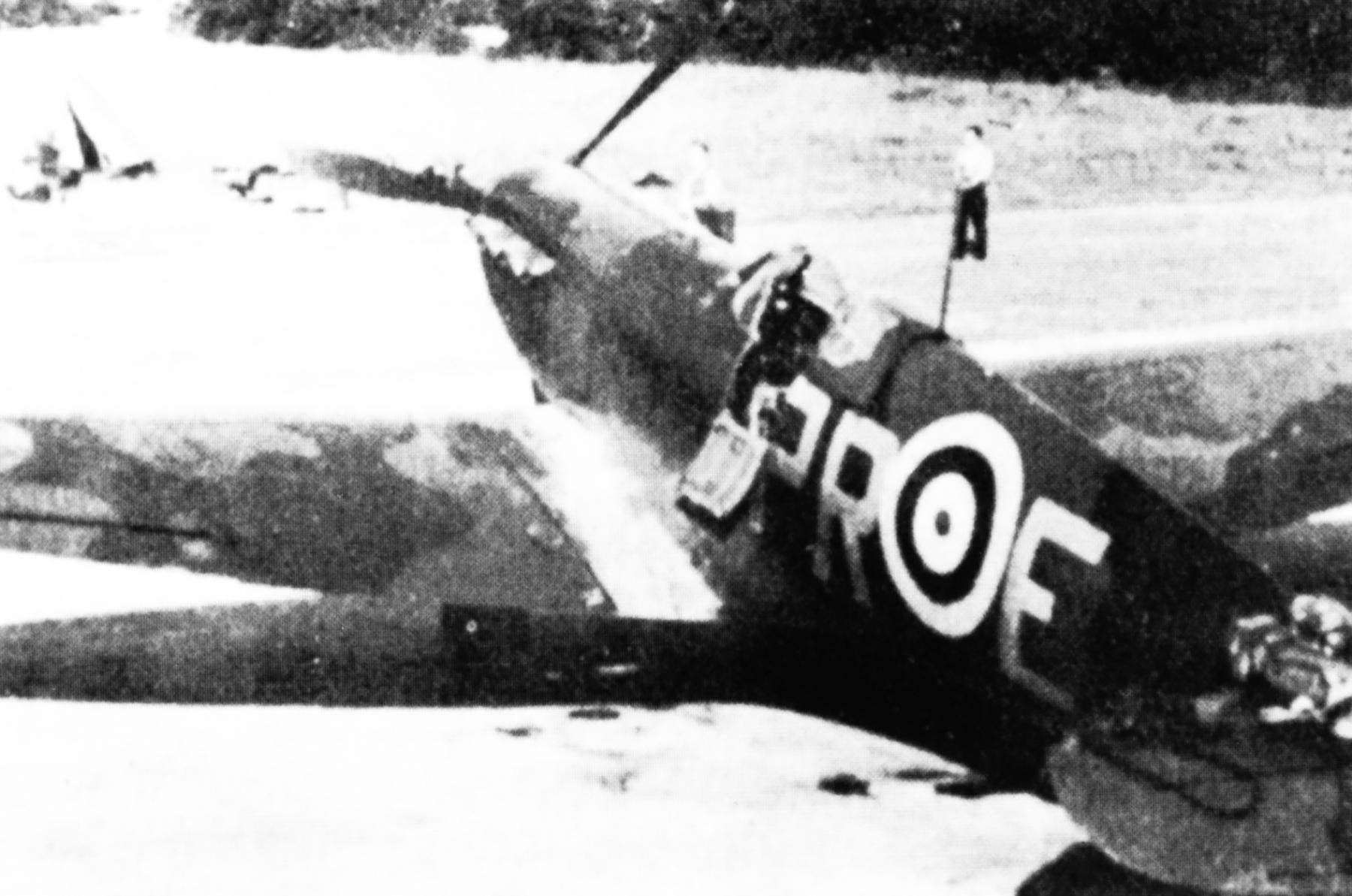 Spitfire MkI RAF 609Sqn PRE England 1940 01