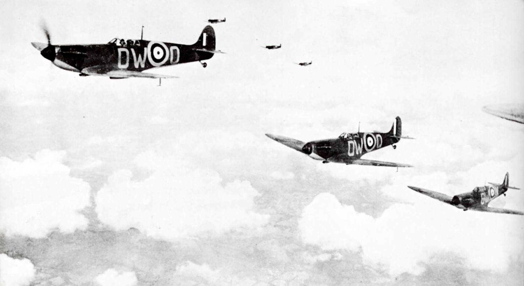 Spitfire MkIa RAF 610Sqn DWO Battle of Britain on Patrol 1940 01
