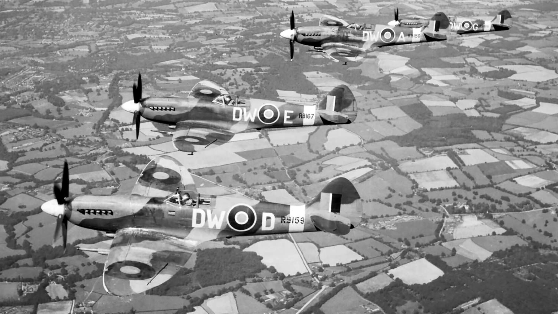 Spitfires XIV RAF 610Sqn DWD RB159 DWE RB167 DWA RB150 and DWG RB156 over Exeter Jan 1944 web 01