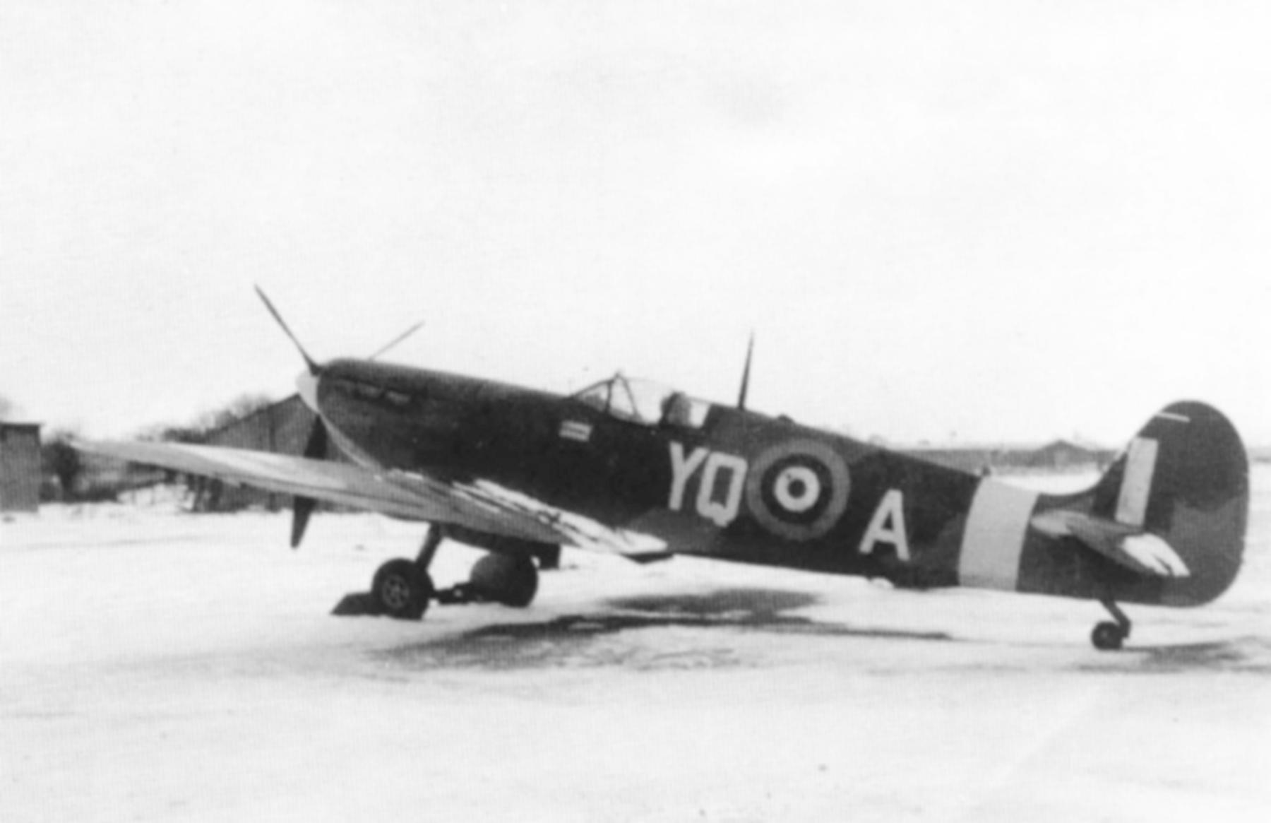 Spitfire MkVb RAF 616Sqn YQA Colin Falkland Gray Kings Cliff Jan 1942 01