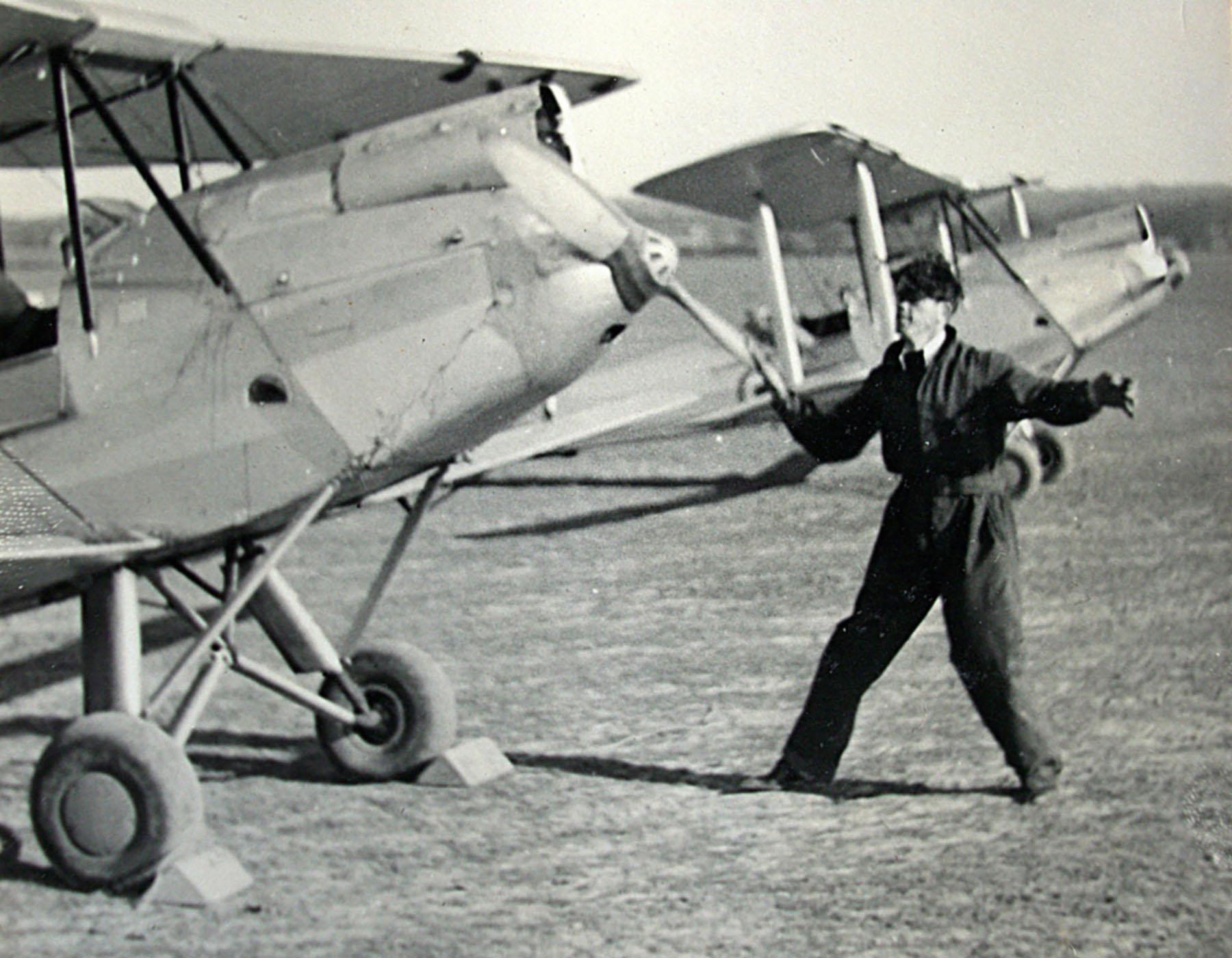DH60M Gipsy Moth RAF photo taken by Patrick Hayes KIA July 7 1940 01
