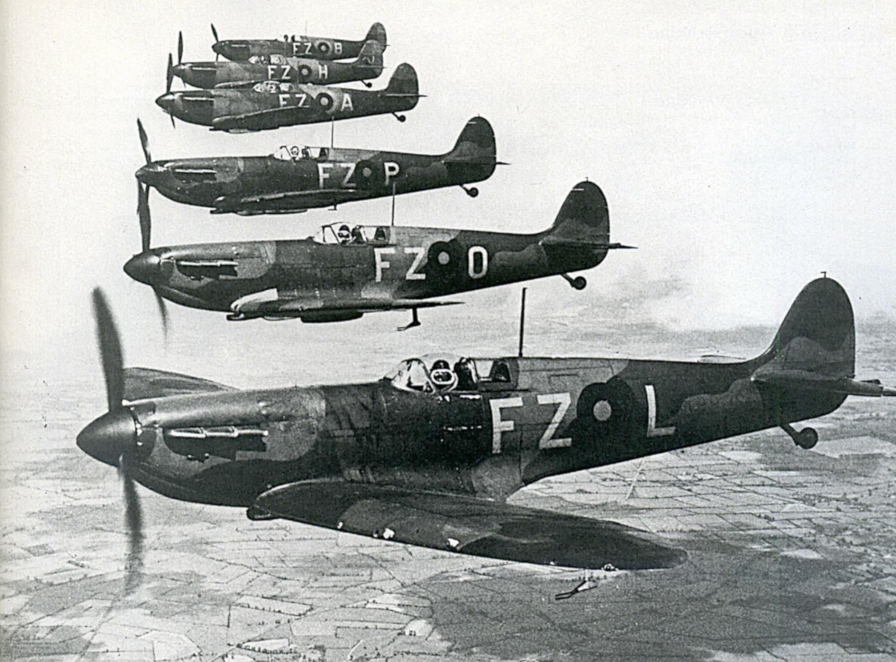 Spitfire MkIa RAF 65Sqn FZL Stanford Tuck K9906 Hornchurch 1939 01