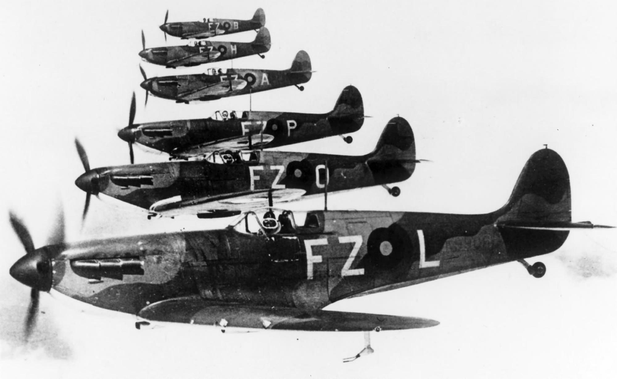 Spitfire MkIa RAF 65Sqn FZL Stanford Tuck K9906 Hornchurch 1939 02