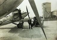 Asisbiz Hawker Hart T RAF trainer refueling photo taken by Patrick Hayes KIA July 7 1940 01