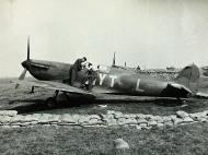 Asisbiz Spitfire MkIa RAF 65Sqn YTL K9906 photo taken by Patrick Hayes KIA July 7 1940 01