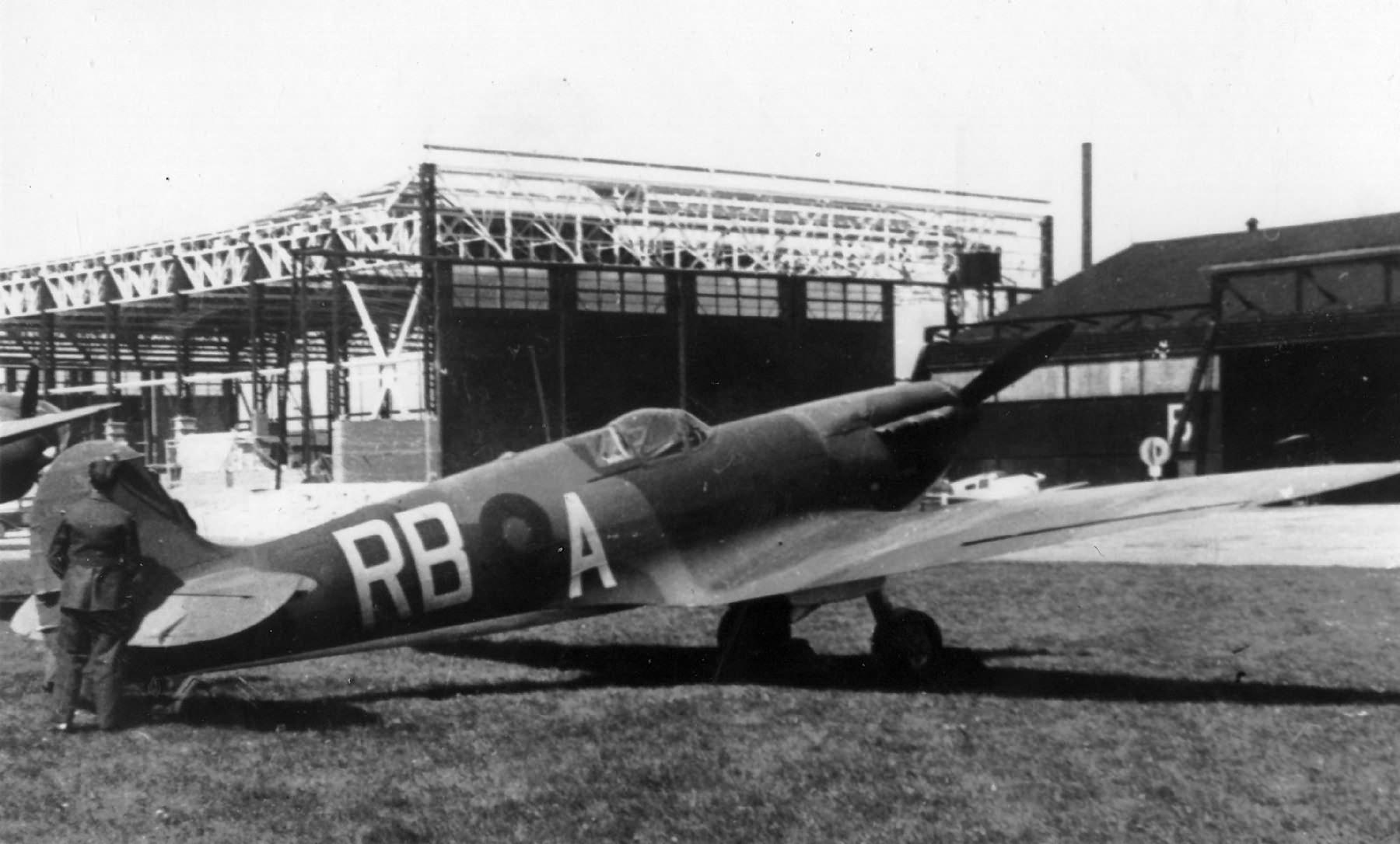 Spitfire MkI RAF 66Sqn RBA K9806 with twin blade propellor England 1940 England 1940 web 01
