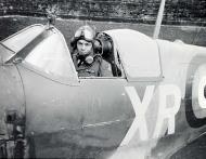 Asisbiz Spitfire MkVb RAF 71Sqn XRD Bill Dunn P7308 North Weald 1941 01