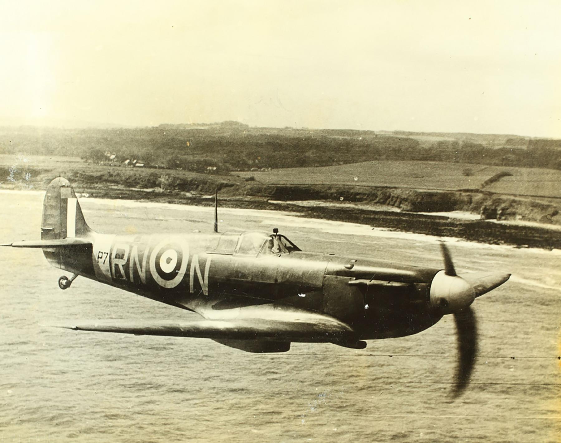 Spitfire MkIIa RAF 72Sqn RNN P7895 April 1941 03