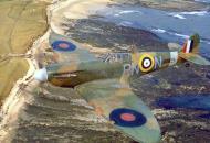 Asisbiz Spitfire MkIIa RAF 72Sqn RNN P7895 April 1941 01