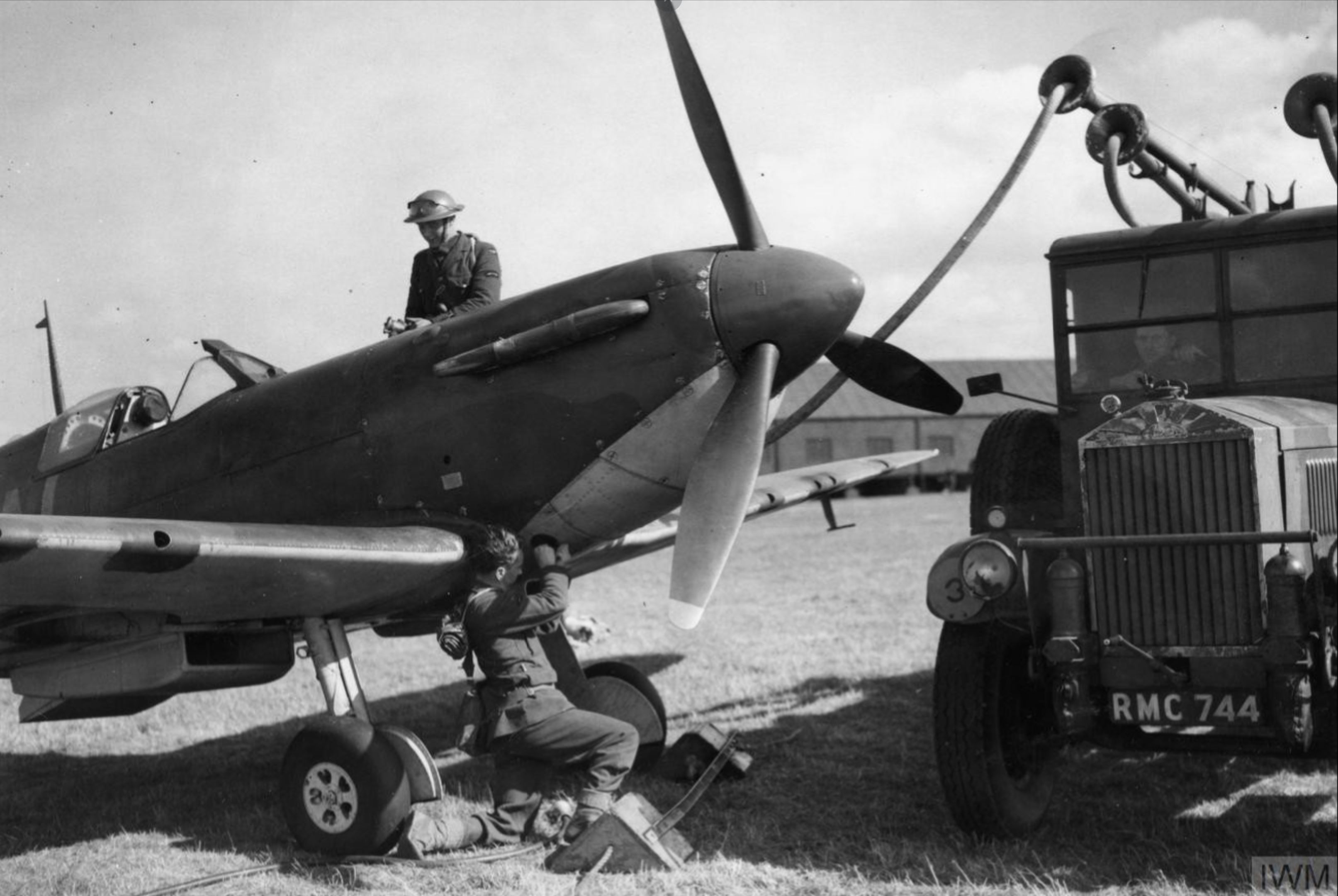 Spitfire MkI RAF 74Sqn LZN R6800 Sqn Ldr Rupert Leigh at Gravesend Sep 1940 IWM HU104507