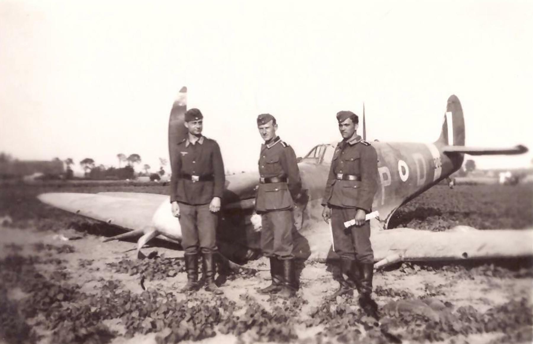 Spitfire MkVb RAF 74Sqn ZPD belly landed Dunkirk France 1941 ebay 01