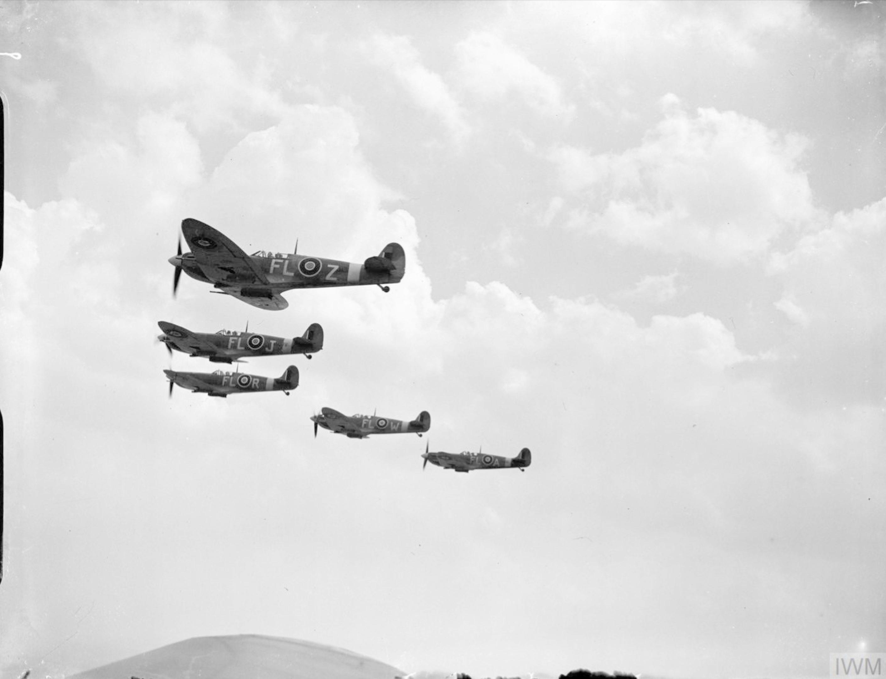 Spitfire MkVbs RAF 81Sqn FLZ FLJ FLR FLW n FLA the Hornchurch Wing IWM CH6380
