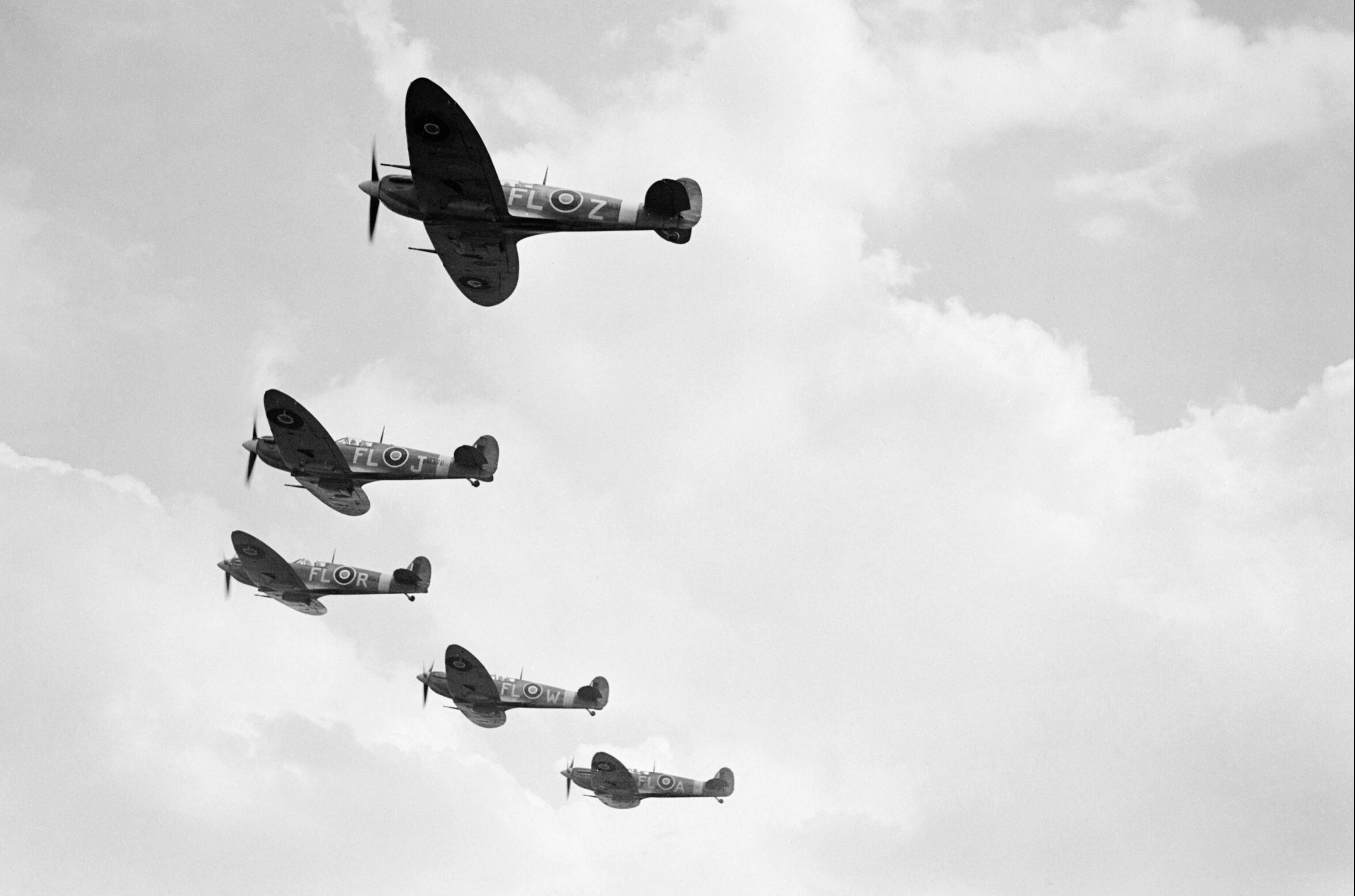 Spitfire MkVbs RAF 81Sqn FLZ FLJ FLR FLW n FLA the Hornchurch Wing IWM CH6381