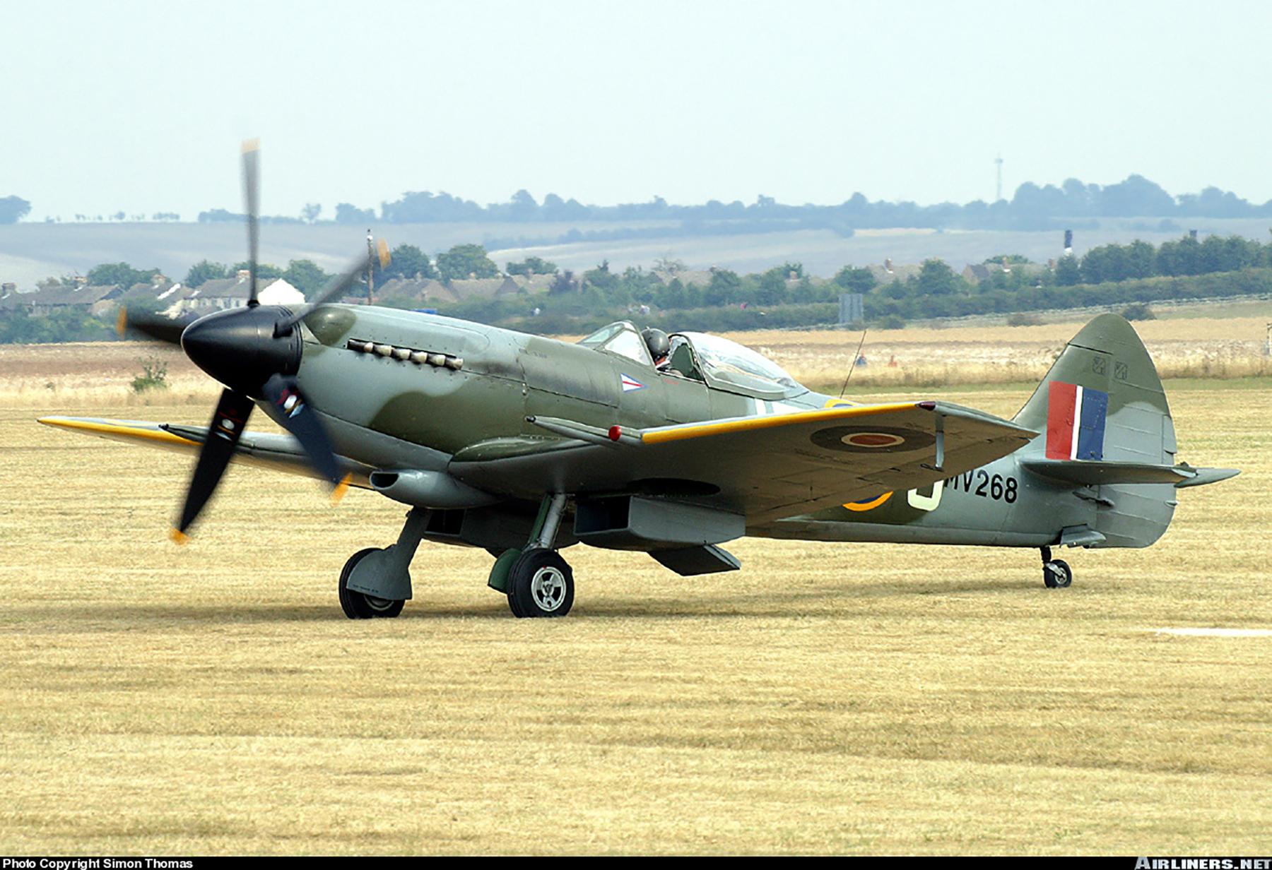 Airworthy Spitfire warbird RAF 91Sqn JEJ MV268 02