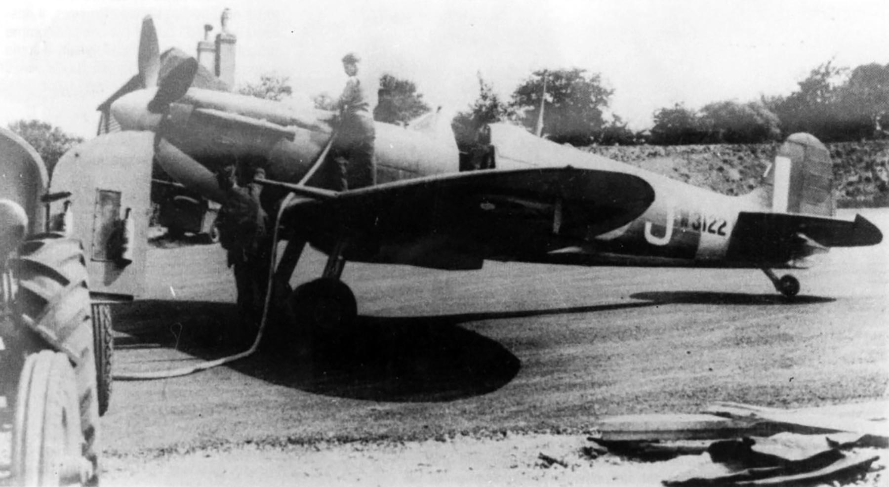 Spitfire MkVb RAF 91Sqn DLJ Jean Demozay W3122 Hawkinge 16th Sep 1941 01