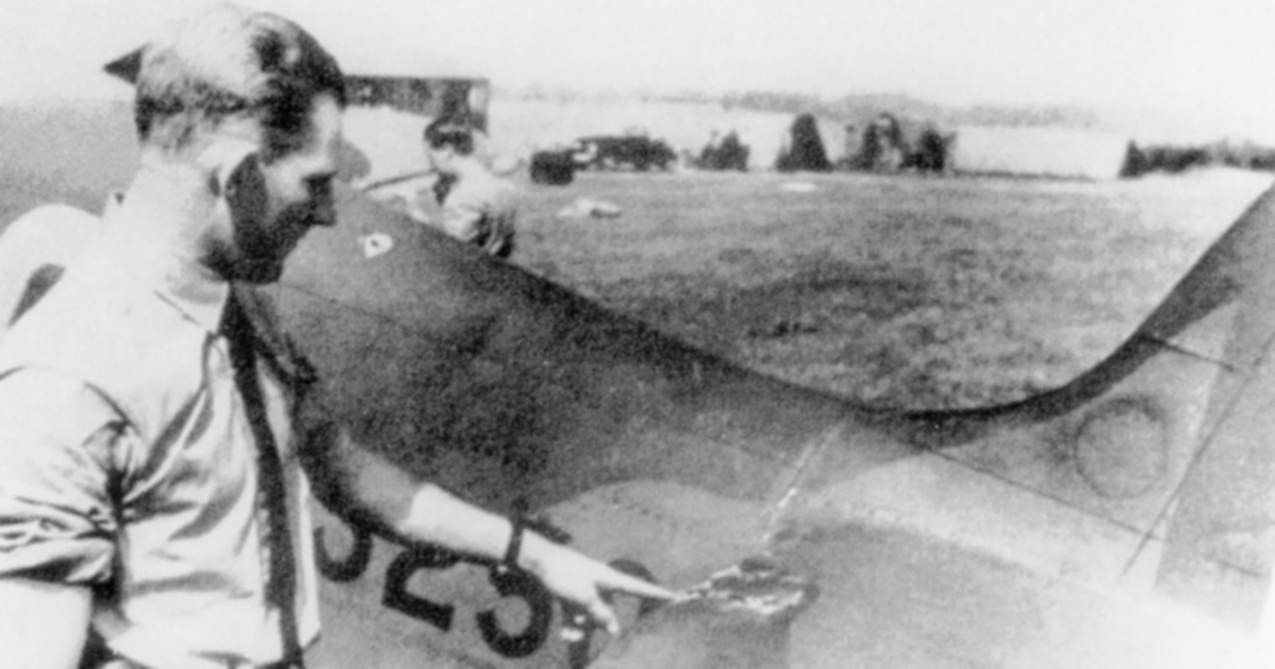 Aircrew RAF 92Sqn Geoffrey Wellum 1940s 04