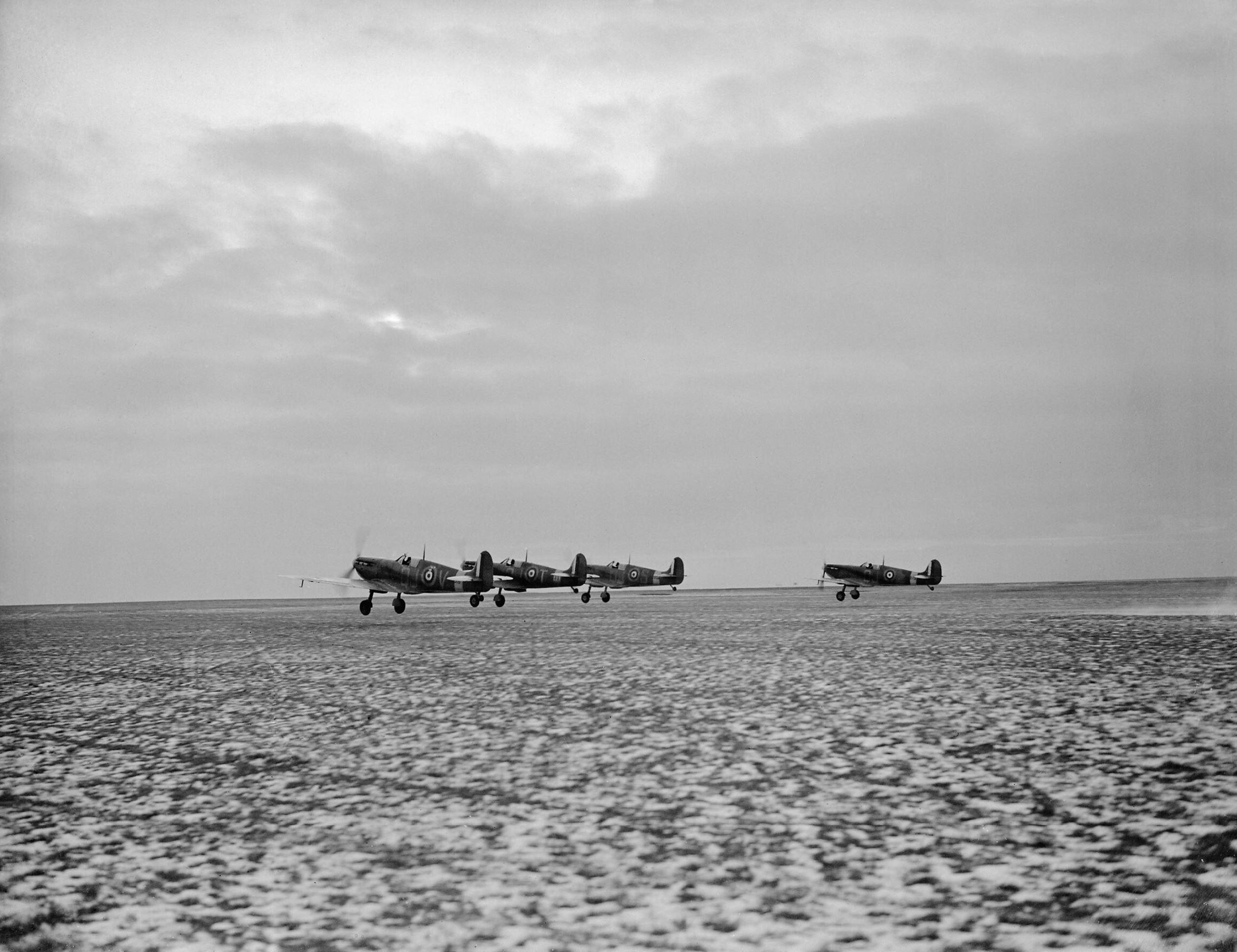 Spitfire Ia RAF 92Sqn QJV QJT QJS QJ taking off from Manston Kent IWM CH2537