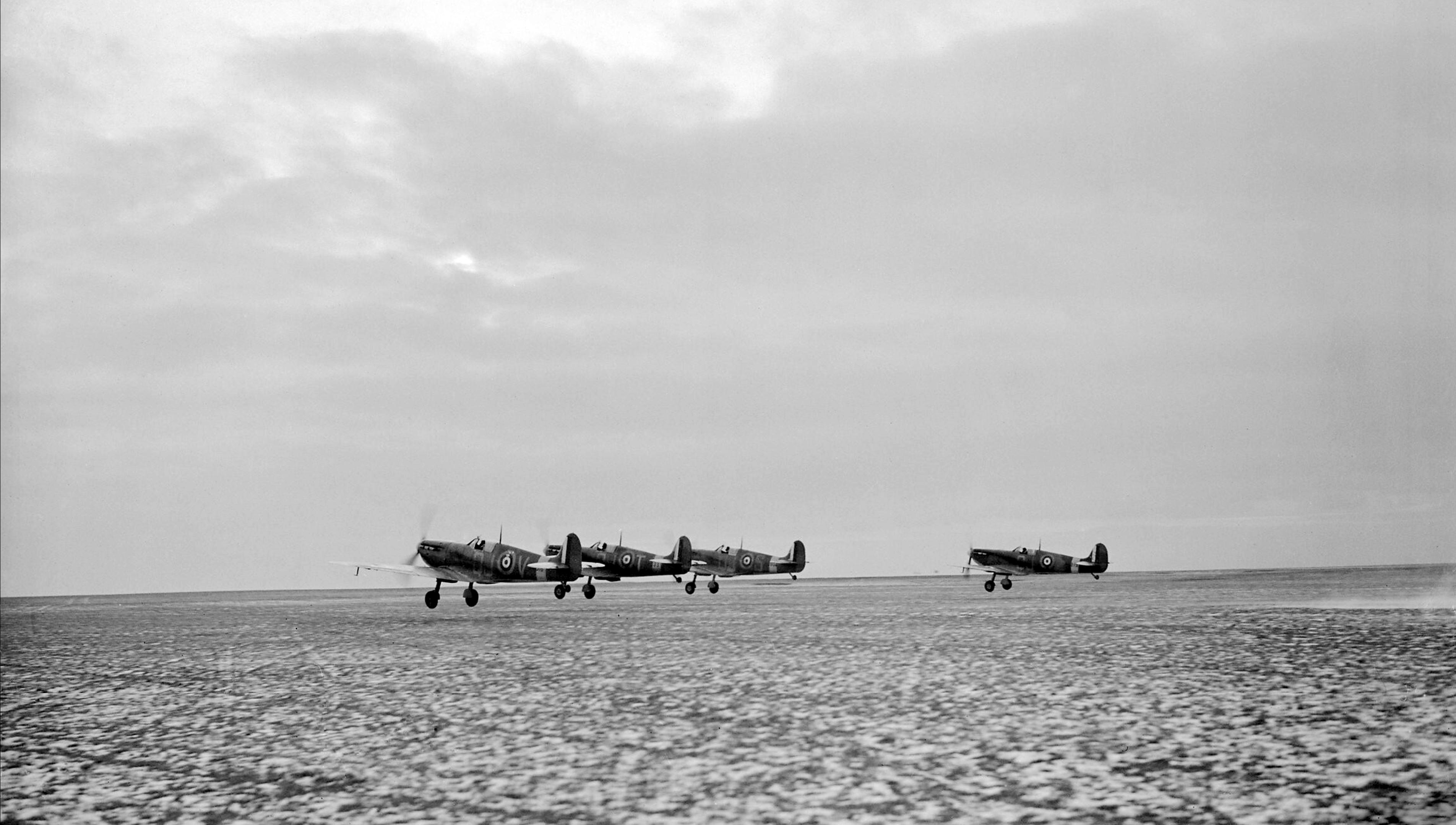 Spitfire Ia RAF 92Sqn QJV QJT QJS QJ taking off from Manston Kent IWM CH2537a