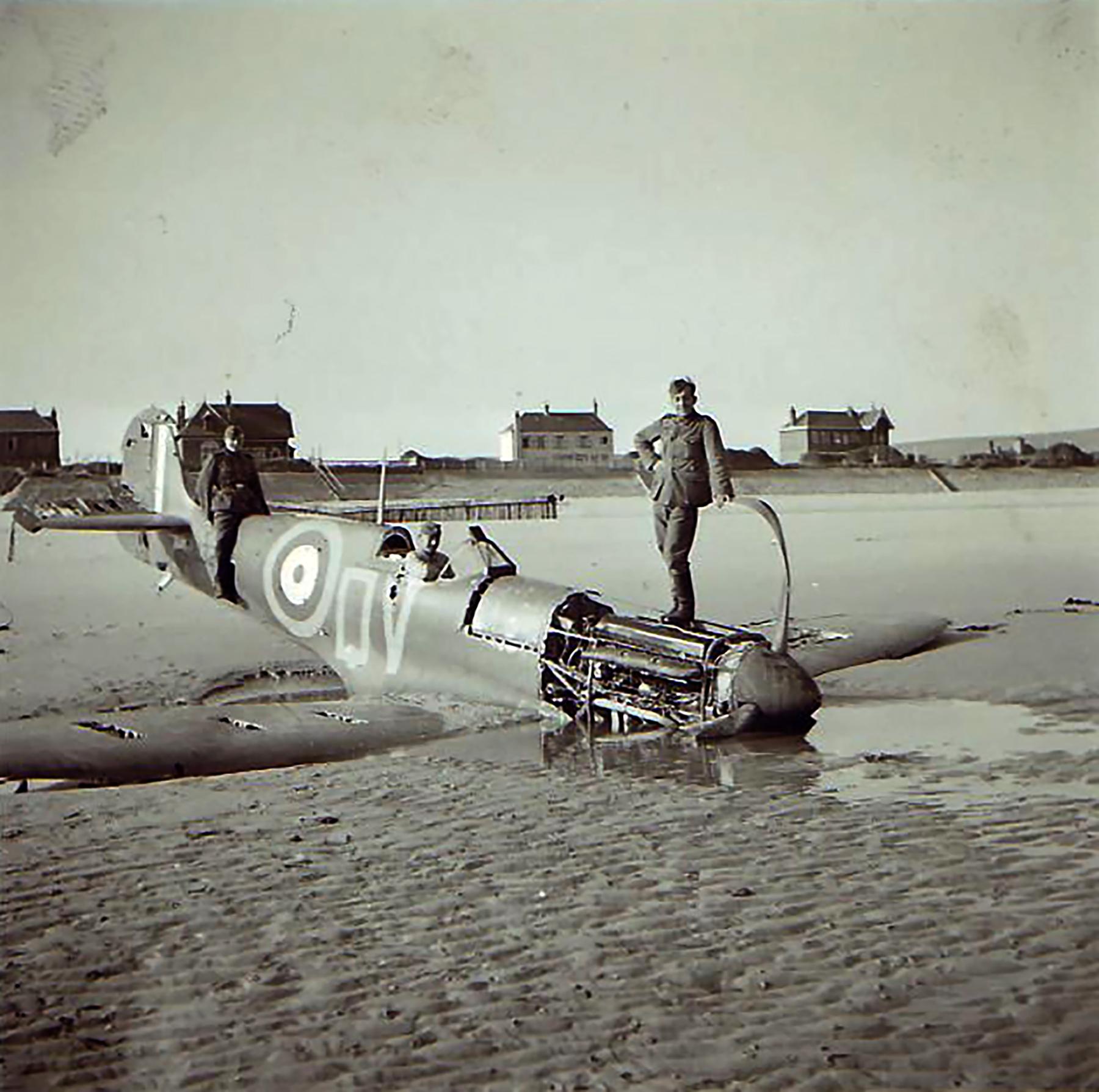 Spitfire MkIa RAF 92Sqn QJ lost over France 01