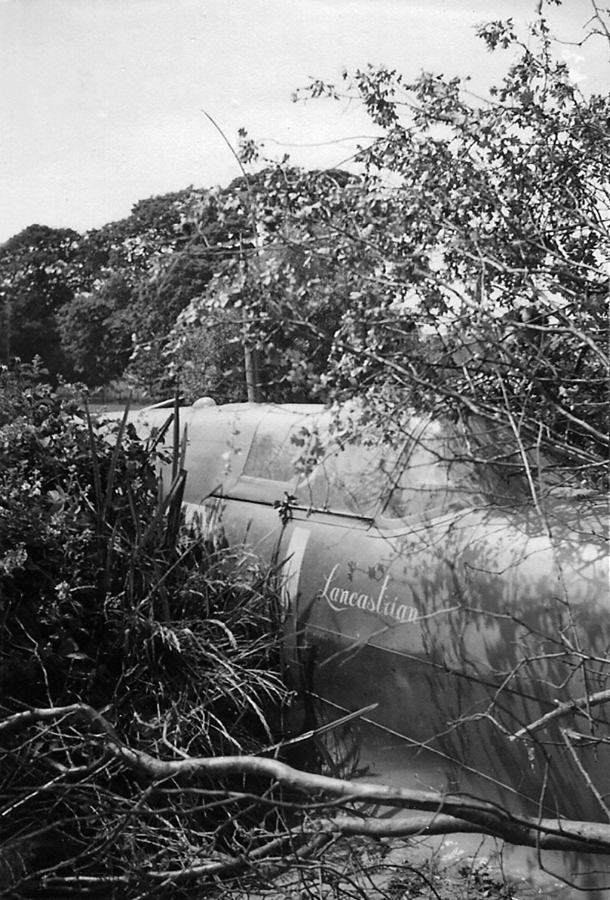 Spitfire MkVb RAF 92Sqn QJB Clive Wawn Lancastrian W3410 Beachy Head 01