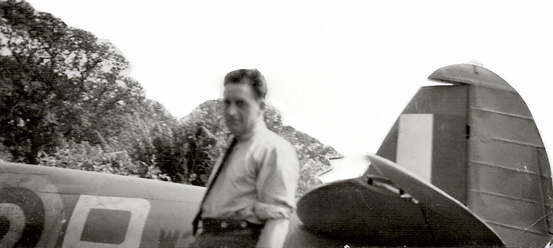 Spitfire MkVb RAF 92Sqn QJB Clive Wawn Lancastrian W3410 Beachy Head 03
