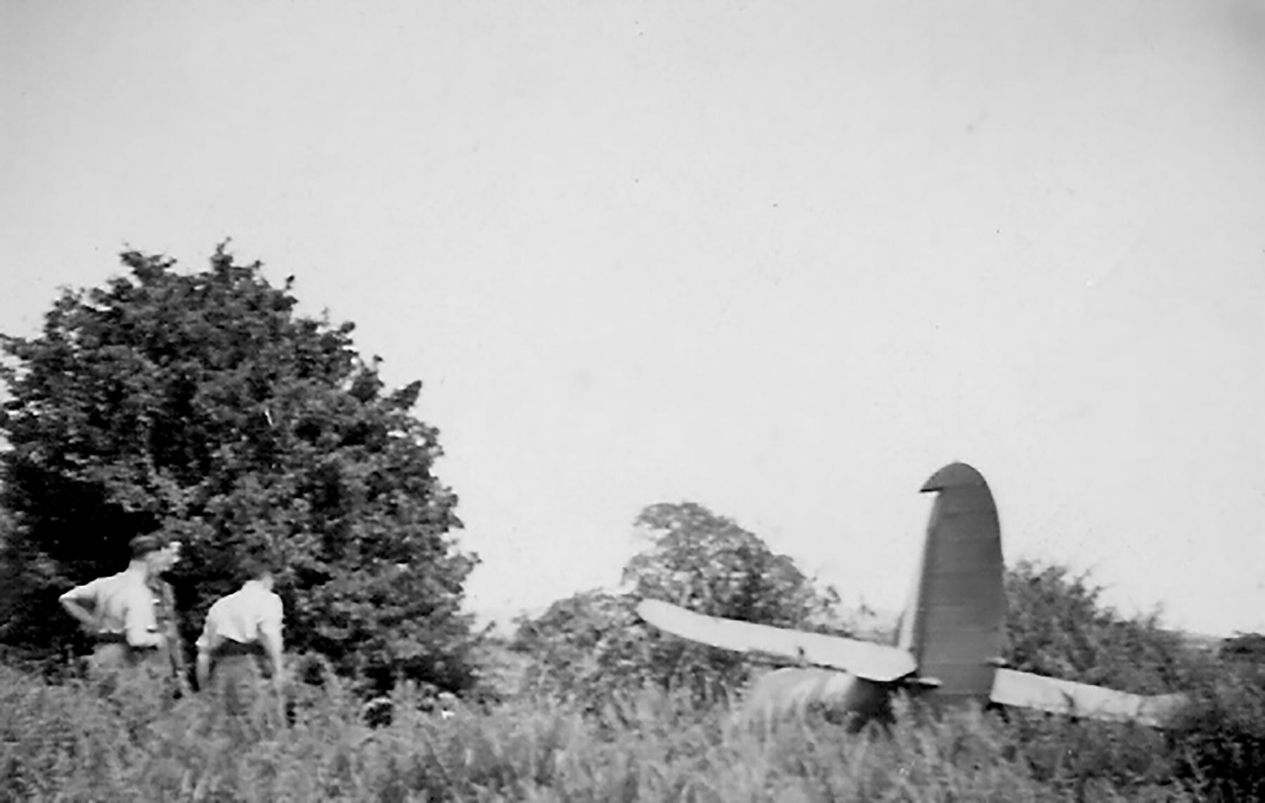 Spitfire MkVb RAF 92Sqn QJB Clive Wawn Lancastrian W3410 Beachy Head 04