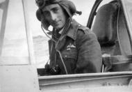 Asisbiz Aircrew RAF 92Sqn Neville Duke 01