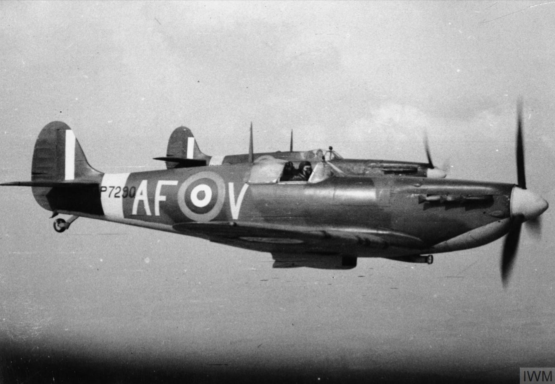 Spitfire IIa RAF 607Sqn AFV P7290 at Duxford Cambridgeshire IWM CH5291