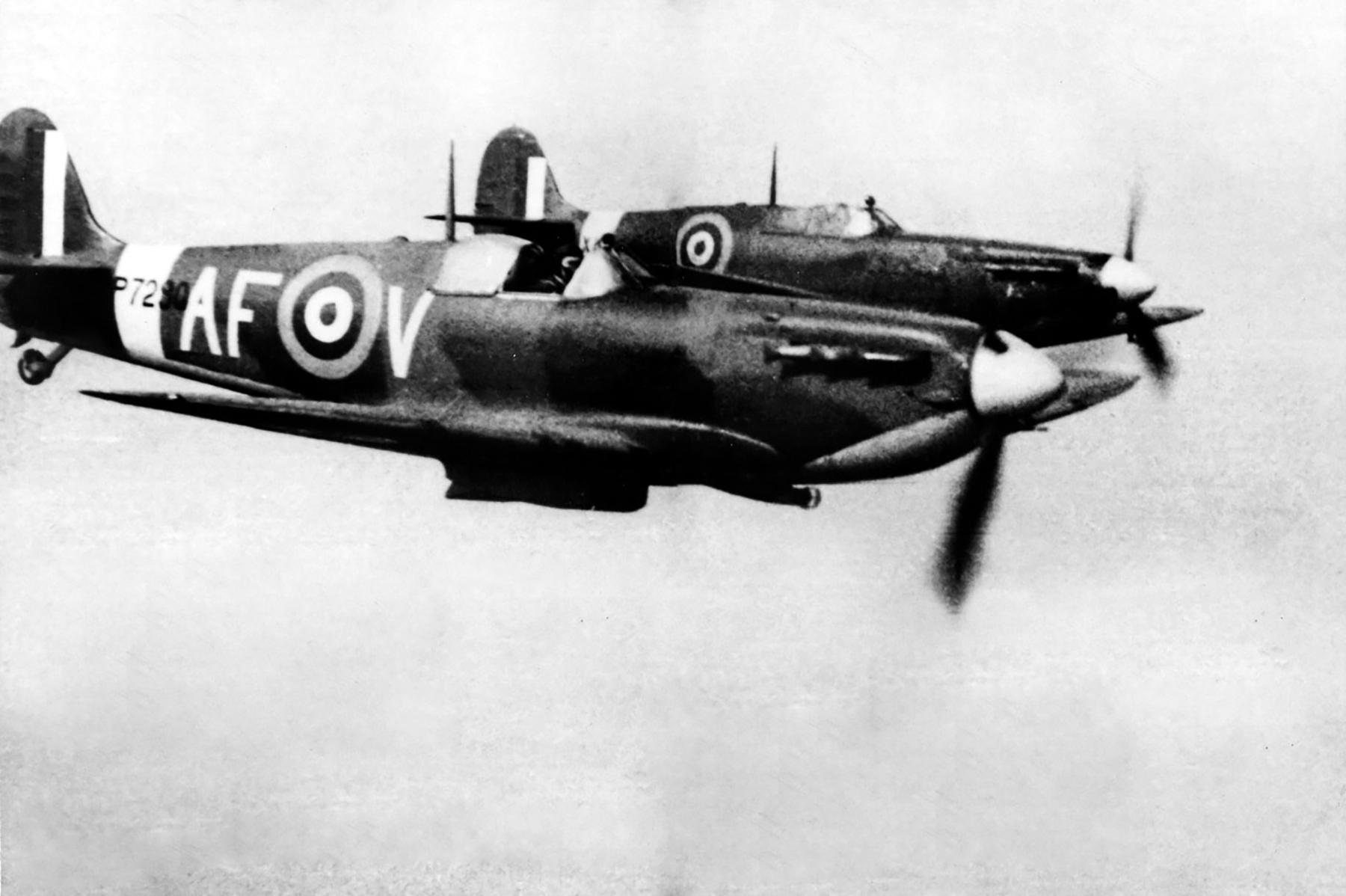 Spitfire MkII RAF AFDU AFV P7290 Duxford England 6th Apr 1942 02