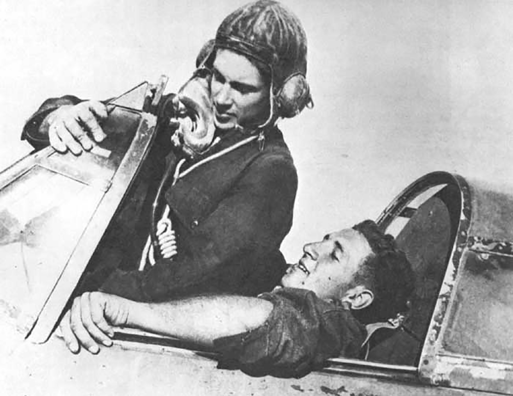 Aircrew RAF 125FW pilots George Keefer (left) John Lane 01