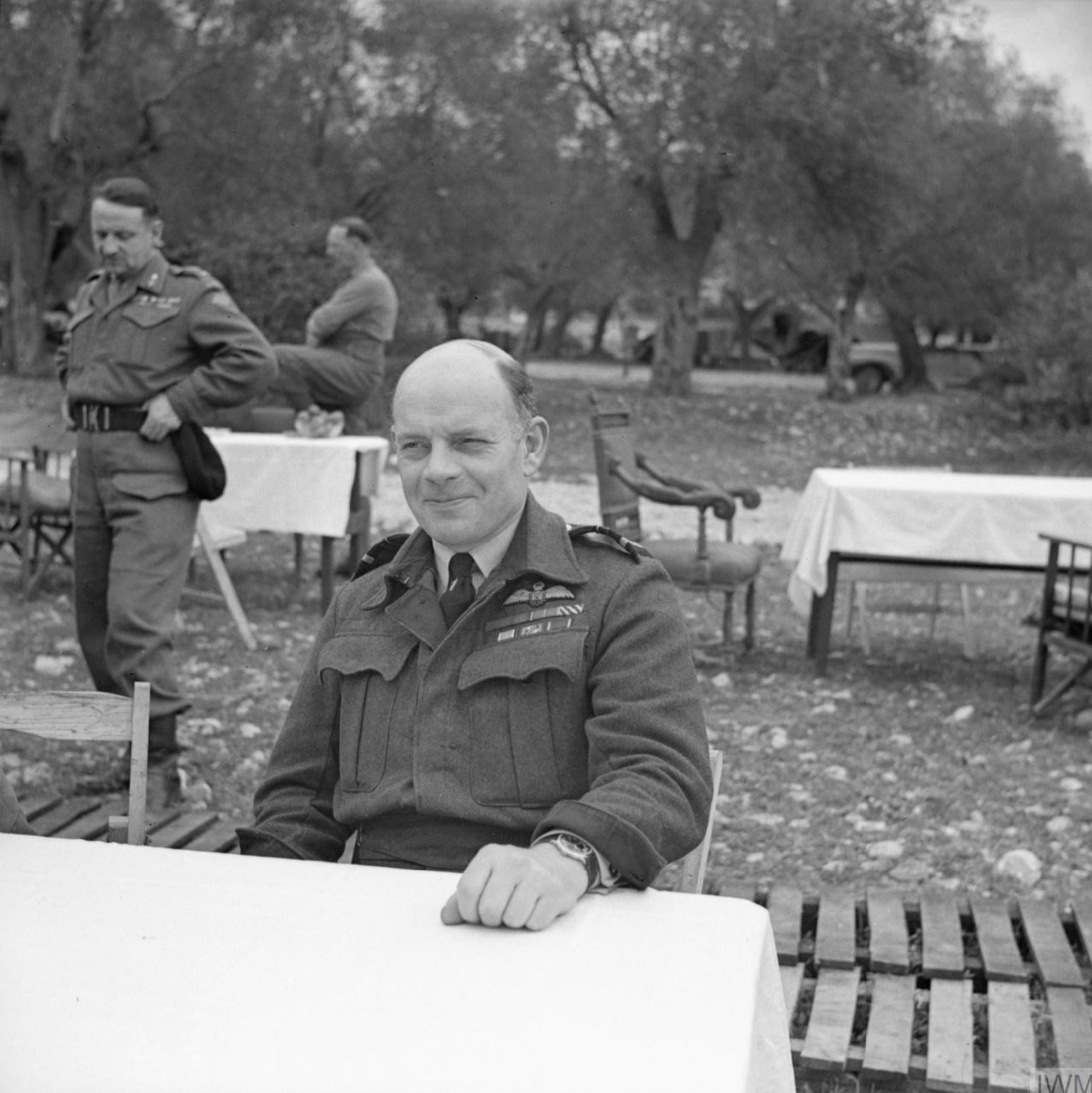 Aircrew RAF Air Vice Marshal Dickson near Venafro Italy 1943 IWM NA13987
