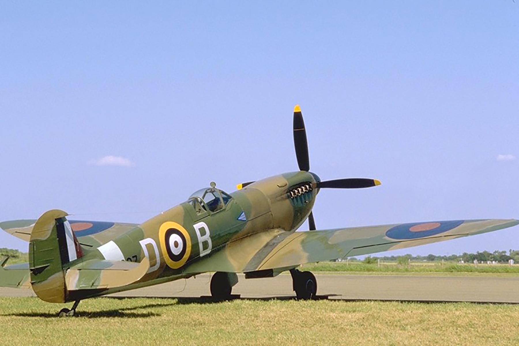 Airworthy Spitfire warbird RAF MK297 DB 01