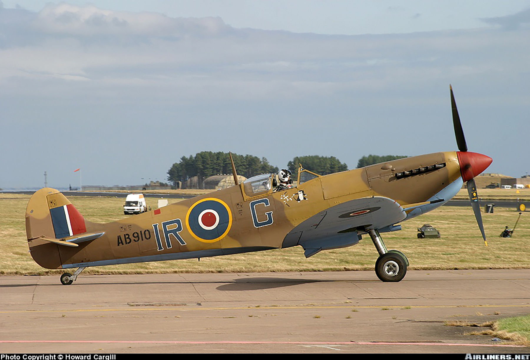 Airworthy Spitfire warbird RCAF 416Sqn IRG AB910 04